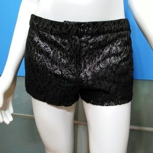 F•21 •• Hombre Lace Shorts * NWT!! / size (XS)